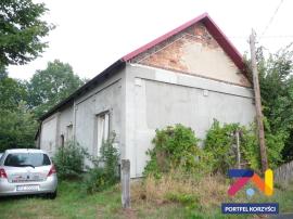 dom wolno stojący w okolicy Nowogrodu Bobrz.