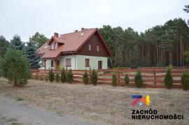 Dom wolnostojący o pow. 200 m.kw. w Radomii przy lesie
